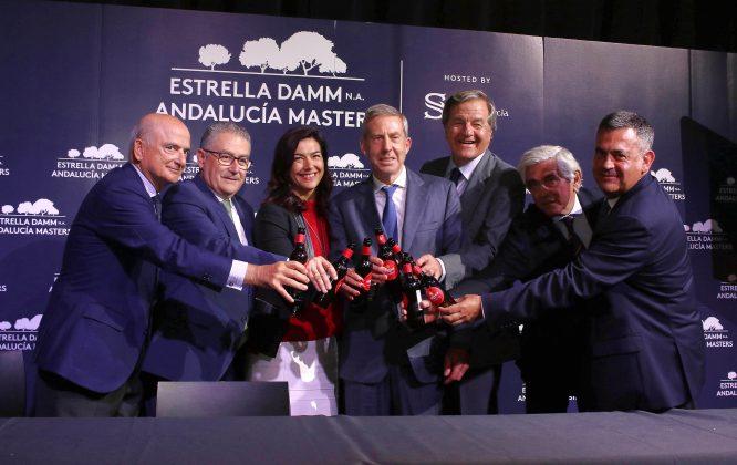 Brindis por una nueva era plagada de éxitos en el Estrella Damm Valderrama Masters. © Fernando Herranz