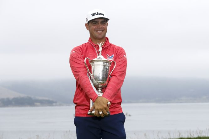 Gary Woodland posa con el trofeo de campeón del US Open 2019. (Copyright USGA/JD Cuban)