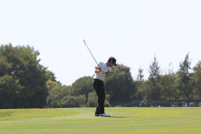 Eduardo de la Riva durante la ronda final en Valderrama. © Golffile | Thos Caffrey