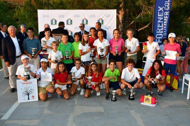 Los ganadores del Campeonato de España Infantil, Alevín y Benjamín. © RFEG