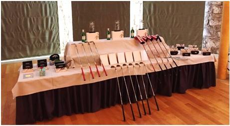 Mesa de premios con material Callaway, gafas de sol, viajes y estancias con Golf. En total más de una treintena de regalos para el sorteo.