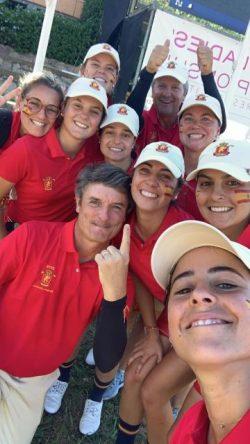El equipo español, medalla de plata en el Campeonato de Europa Absoluto Femenino por Equipos.