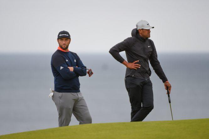 Jon Rahm y Tony Finau en la jornada final del Open Championship. © Golffile | Ken Murray