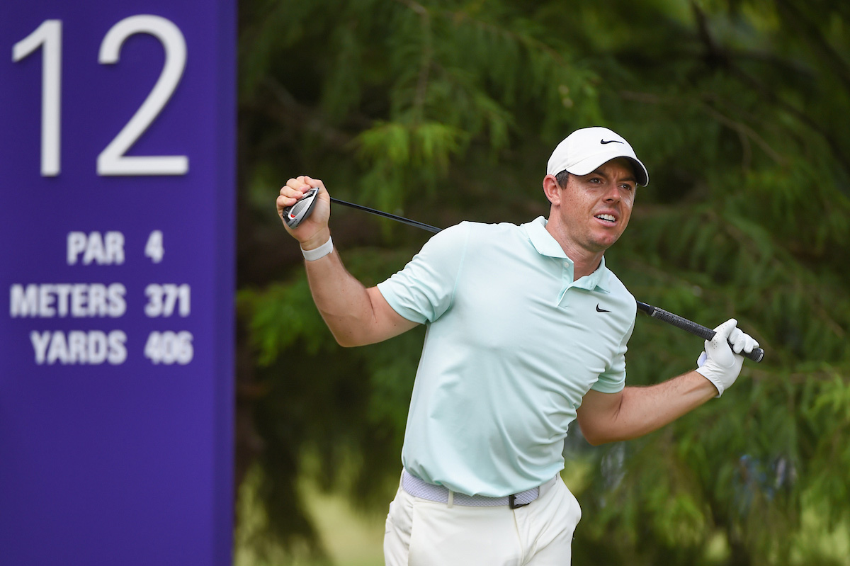 Tiger Woods, se retira por la espalda