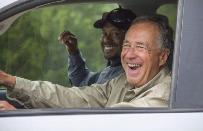 Tiger Woods y Johnny Morris, visitando el campo © TGR Design