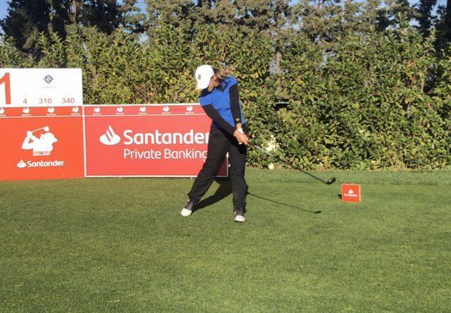 Laura Gómez, colíder del Santander Golf Tour en La Peñaza.