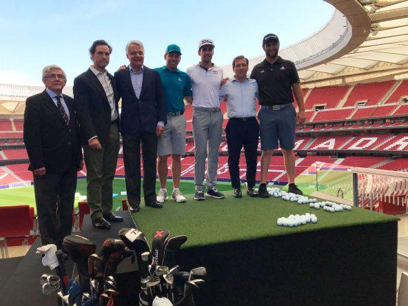 Jon, Sergio y Rafa posan con el alcalde de Madrid y los organizadores del Open de España © Ten-Golf