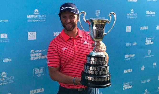 Jon Rahm, con el trofeo © Ten-Golf