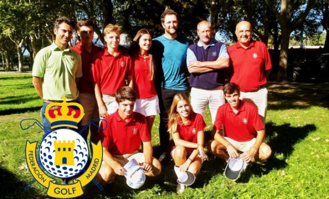 Jon Rahm, con los alumnos del CETEMA © Federación de Golf de Madrid