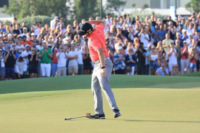 Jon Rahm celebrando su triunfo en Dubai. © Golffile | Phil Inglis