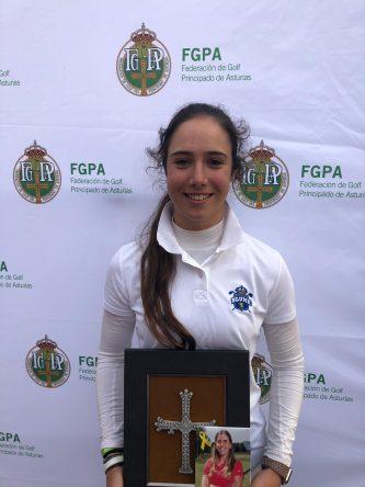 """Julia López, ganadora del """"II Memorial Celia Barquín"""" Copa Principado de Asturias. © Federación Asturiana de Golf"""