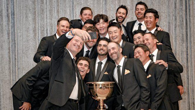 Selfie de Els con su equipo © Presidents Cup