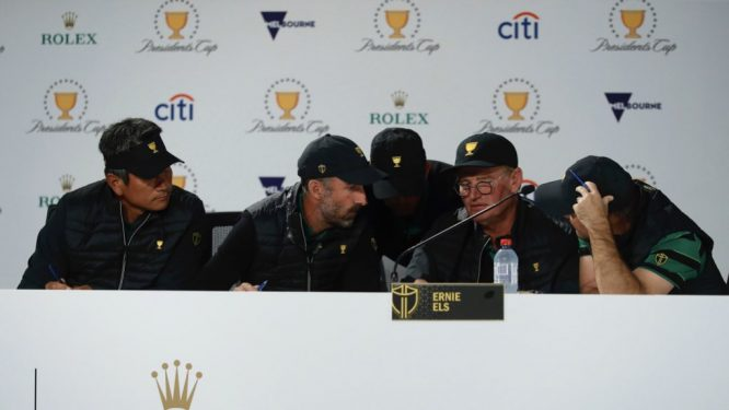 Ernie Els y los vicecapitanes del equipo Internacional de la Presidents Cup.