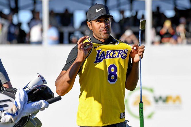 Tony Finau, con la camiseta de Kobe Bryant @ Twitter Tony Finau