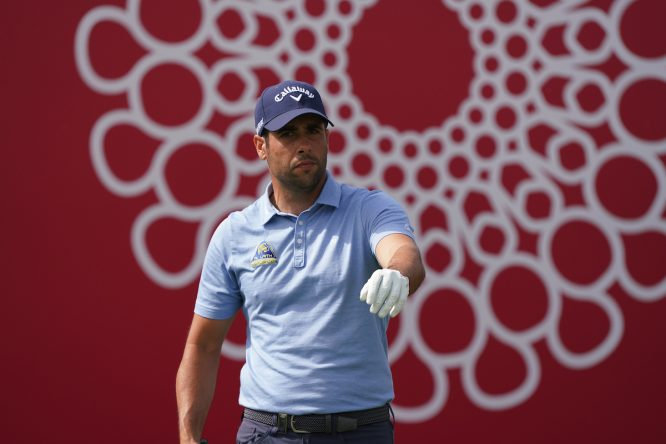 Adrián Otaegui en la primera ronda en el Emirates Golf Club. © Golffile | Thos Caffrey