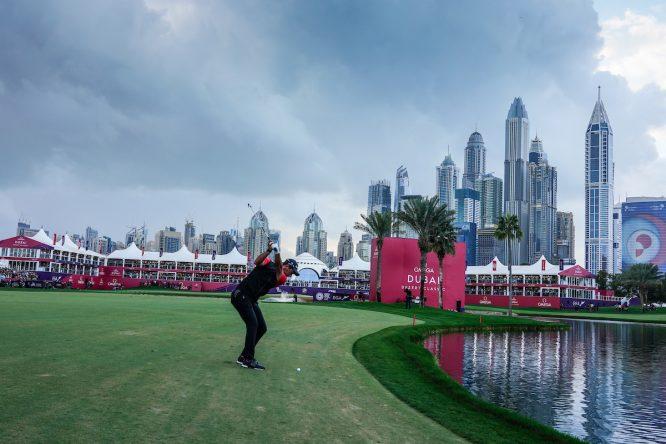 Lucas Herbert en el hoyo 18 del Emirates Golf Club. © Golffile | Thos Caffrey