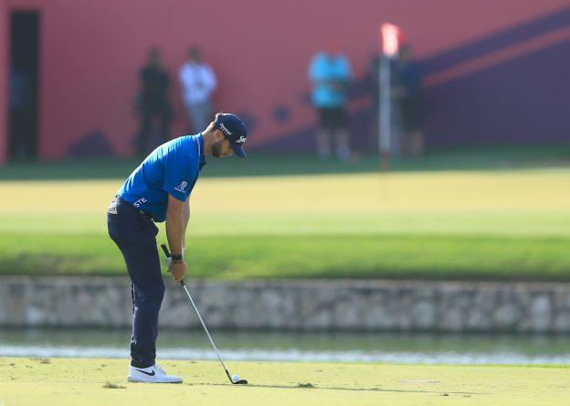 Adri Arnaus durante la ronda final en el Emirates Golf Club. © Golffile | Oisin Keniry