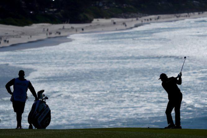 Phil Mickelson durante la ronda final en Pebble Beach. © Golffile | Phil Inglis