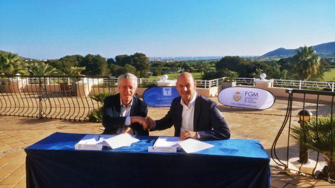 Ignacio Guerras, presidente de la Federación de Golf de Madrid, y Nick Montgomery, director general de La Manga Club.