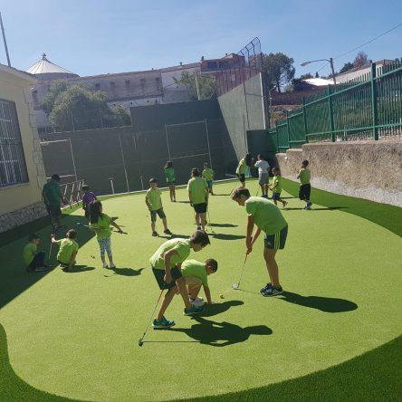 El primer putting green que se construyó en Brea de Tajo.
