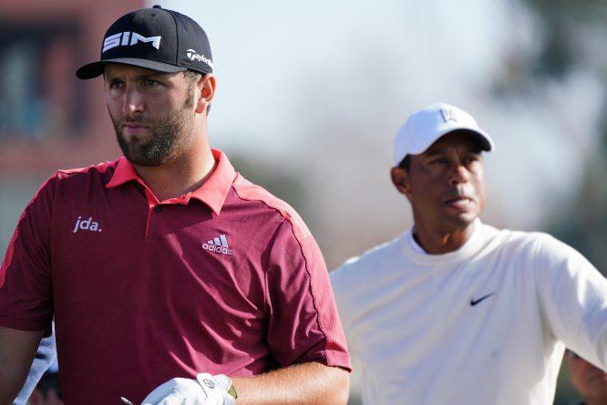 Jon Rahm y Tiger Woods. © Golffile | Phil Inglis