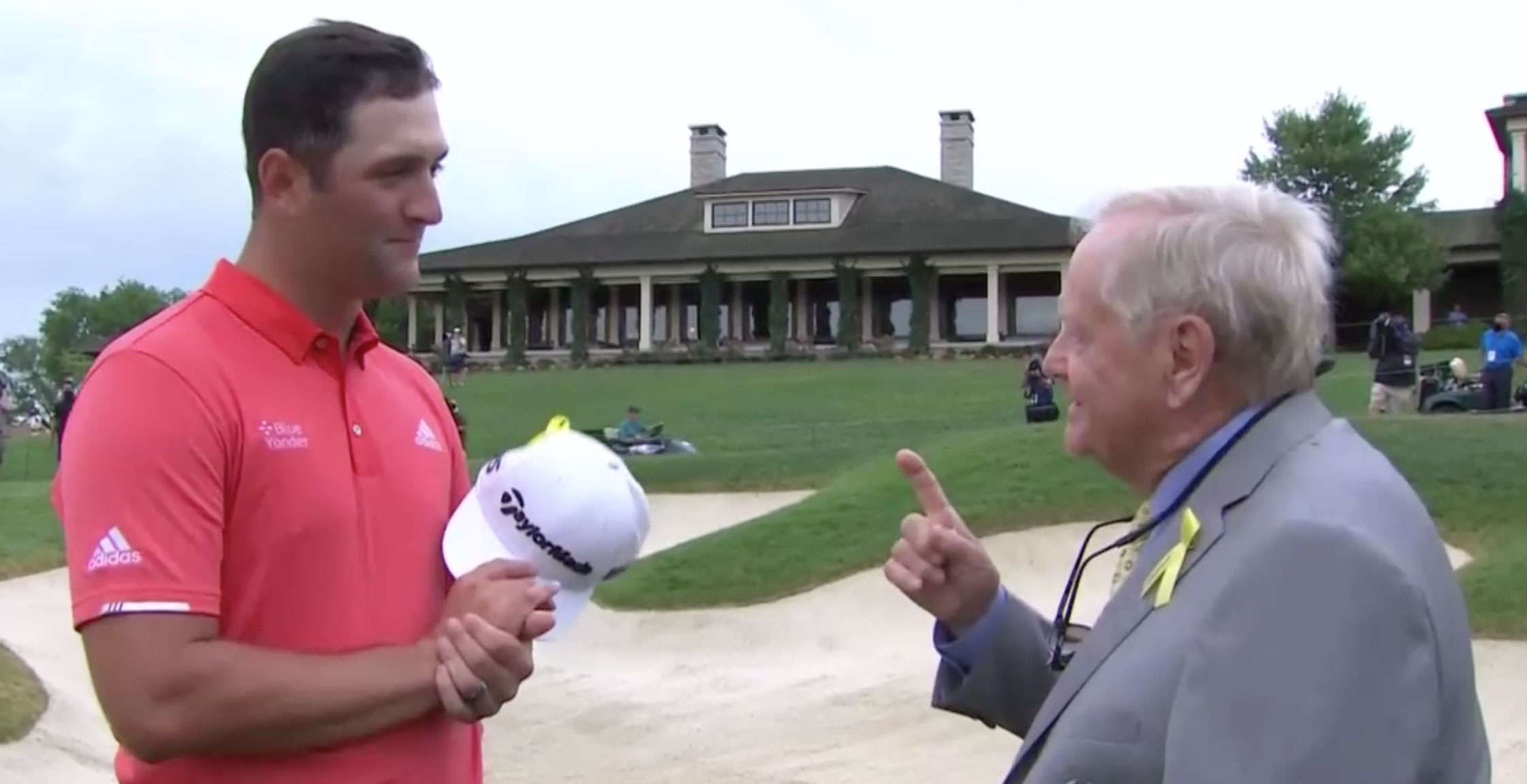 Jon Rahm y Jack Nicklaus, charlando © Captura de TV