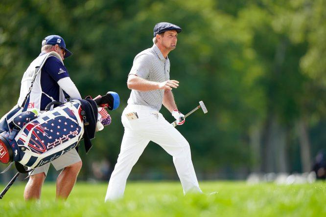 Bryson DeChambeau y su caddie © Darren Carroll/USGA/Golffile