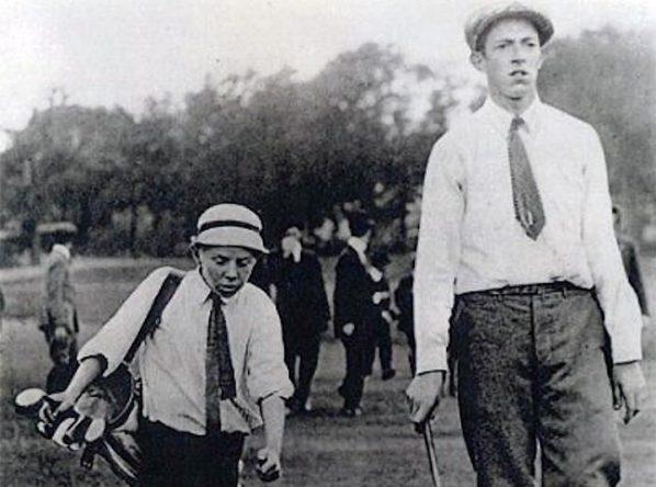 Francis Ouimet y su caddie, de diez años de edad, Eddie Lowery. © USGA