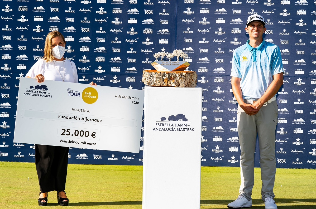 John Catlin with Asunción Fernández de la Puente, Fundación Aljaraque's representative. © Real Club Valderrama