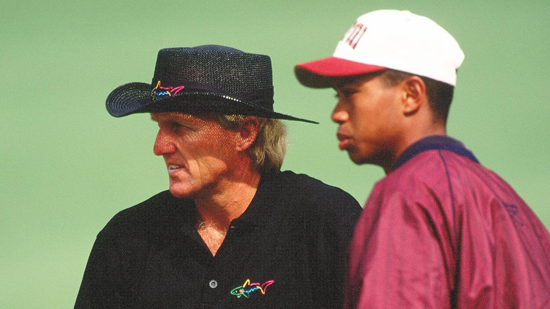 Tiger Woods con Greg Norman, en el Masters de 1995 © The Masters
