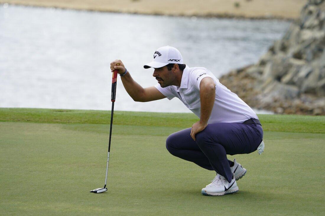Adrián Otaegui durante la segunda jornada en el Abu Dhabi Golf Club. © Golffile | Fran Caffrey