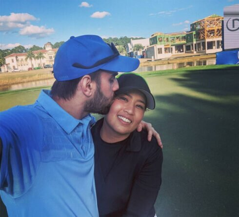 Jasmine Suwannapura y su prometido © Instagram