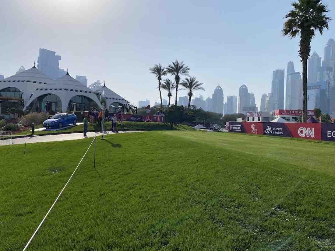 Nuevo tee del hoyo 1 del Majlis course del Emirates Golf Club. © Tengolf