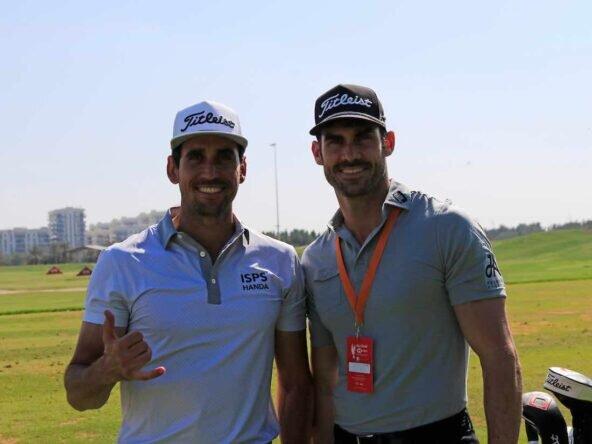 Rafa Cabrera Bello y su hermano y caddie Miguel en el Abu Dhabi Golf Club. © Golffile   Eoin Clarke