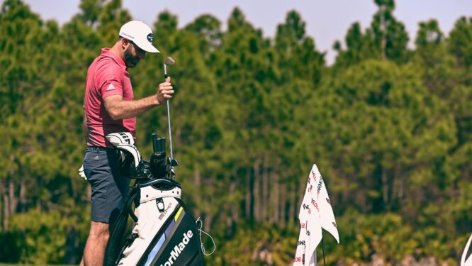 Dustin Johnson, practicando ayer en The Concession © WGC-Workday