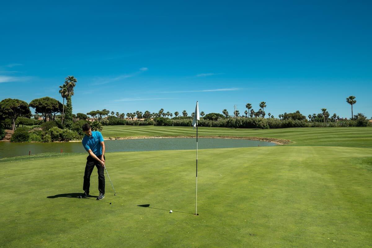 Hoyo 5 del Real Novo Sancti Petri Golf Club
